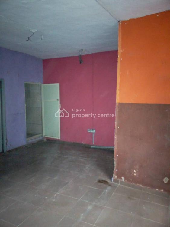 Spacious and Standard Mini Flat, Dipo Olubi Street, Off Oduduwa Road, Surulere, Lagos, Mini Flat for Rent