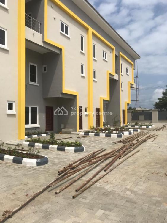 Newly Built Spacious Fully Serviced 3 Bedroom Duplex, Lafiaji, Ikota, Lekki, Lagos, Terraced Duplex for Rent