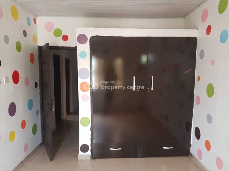Neatly Maintained 2 Bedroom Apartment, Ilasan, Ikate Elegushi, Lekki, Lagos, Flat for Rent