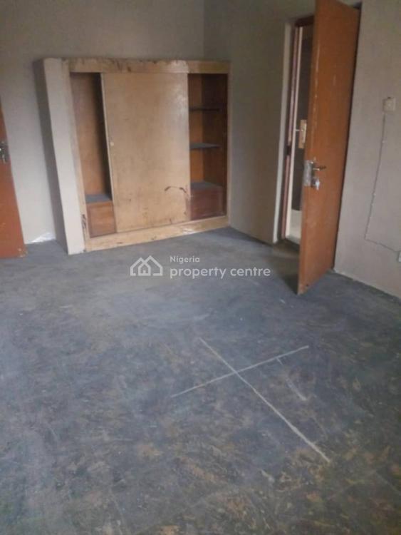 Spacious 4 Bedroom Flat Upstairs, Atunrase Estate, Medina, Gbagada, Lagos, Flat for Rent