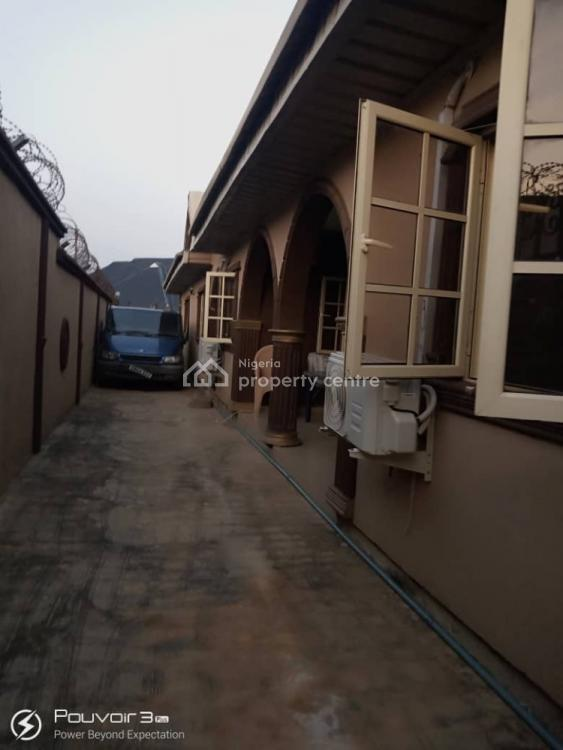 Nice and Spacious 3 Bedroom Flat, Airport Second Gate, Kascko Area, Alakia, Ibadan, Oyo, Flat for Rent