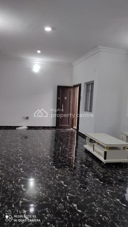 Well Maintained 2 Bedroom Flat, Ilaje, Ajah, Lagos, Flat for Rent