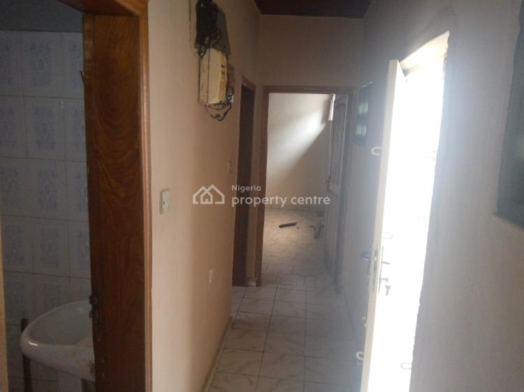Clean 1 Bedroom Bq, 4th Avenue, Gwarinpa, Abuja, Mini Flat for Rent