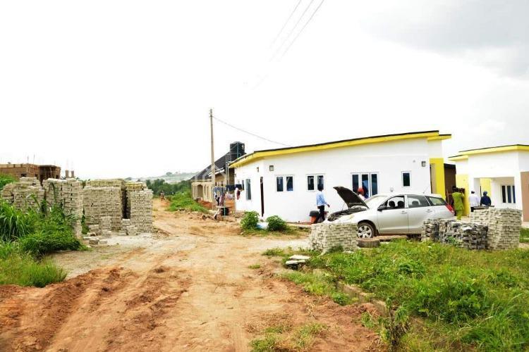 Beautiful Estate., Arapaja, Akala Expressway, Ibadan, Oyo, Mixed-use Land for Sale