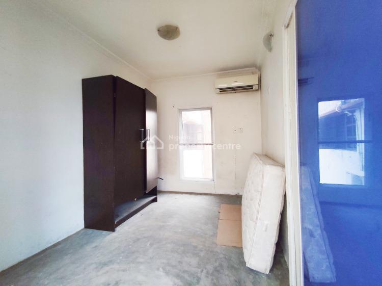 Mini Flat Penthouse. Large Sitout Balcony with Lovely City View., Lekki Phase 1, Lekki, Lagos, Mini Flat for Rent