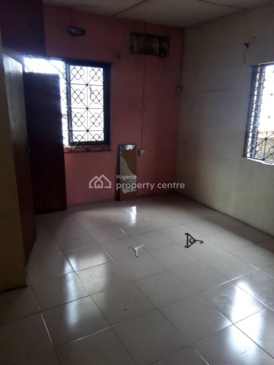 Executive Roomself with Extra Room, Ogunlana, Surulere, Lagos, Self Contained (single Rooms) for Rent
