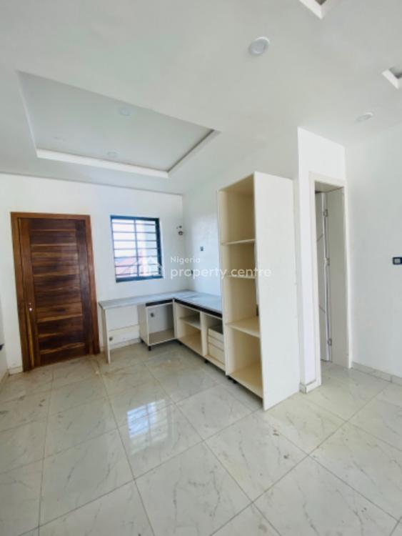 Fully Serviced 2 Bedroom Flat with Excellent Finishing., Ikota, Lekki, Lagos, Flat for Sale