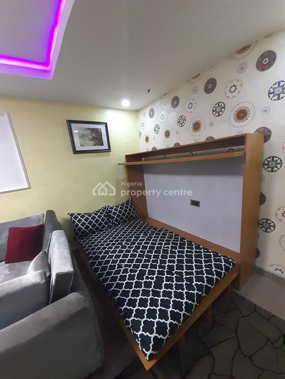 Dinero Emerald Apartment, 119 Ogunlana Drive, Ogunlana, Surulere, Lagos, Flat Short Let