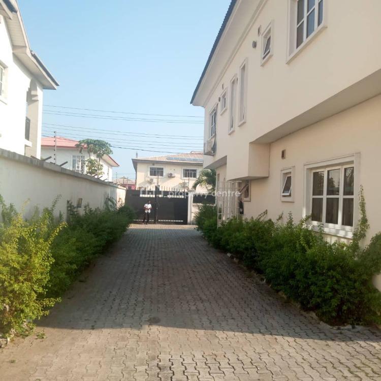 5 Bedrooms Semi Detached House with 3 Rooms Servants Quarter, Off Admiralty Road, Lekki Phase 1, Lekki, Lagos, Semi-detached Duplex for Sale