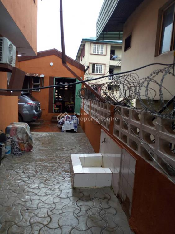 a Well Maintained and Well Situated Block of 4 Flats. with 3 Bedroom, Off, Ikorodu Road, Behind Fidson Pharmaceuticals., Obanikoro, Shomolu, Lagos, Block of Flats for Sale
