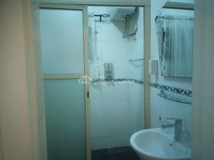 Neatly Built and Well Maintained One(1)bedroom Flat, Onigbongbo, Maryland, Lagos, House Short Let