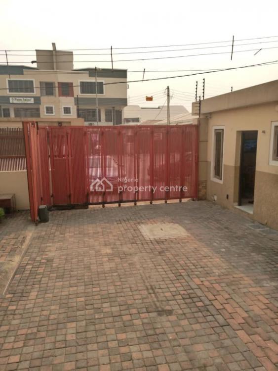 4 Bedroom Semi Detached Town House with Bq, Lekki Phase 1, Lekki, Lagos, Semi-detached Duplex for Sale