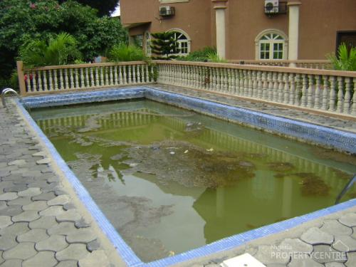 For sale 9 bedroom all ensuite 3 living rooms parking - Swimming pool water treatment plant ...