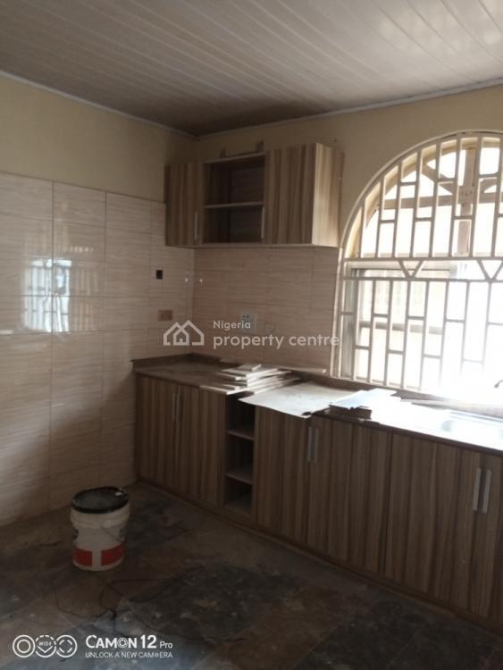 Spacious 2 Bedroom Flat (upstairs)., Lekki Scheme 2 Close to Abraham Adesanya., Ajah, Lagos, Flat for Rent