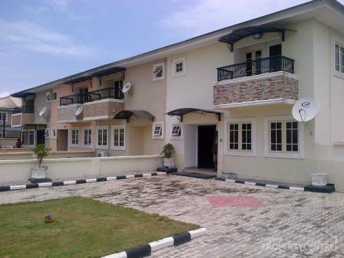 For rent lovely finished three bedroom duplex in lekky for Three bedroom duplex