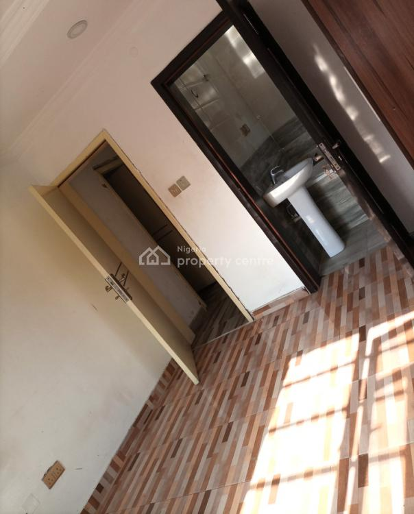 Nice and Standard Self Contained., Nice Estate Chevy View., Lekki Expressway, Lekki, Lagos, Self Contained (single Rooms) for Rent