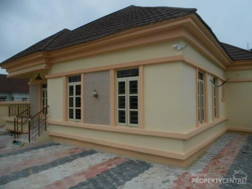 For sale 3 bedroom detached bungalow with boys quarters for 3 rooms bungalow house