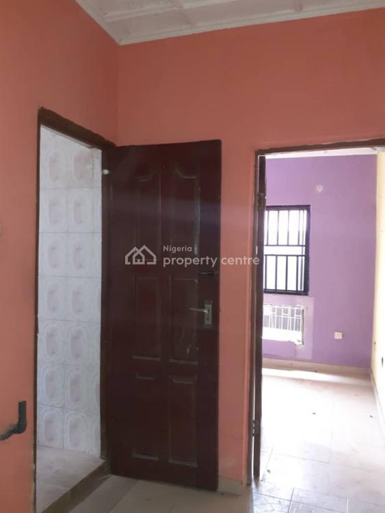 3 Bedrooms Ground and Up Flats., Shosanya, Soluyi, Gbagada, Lagos, Flat for Rent