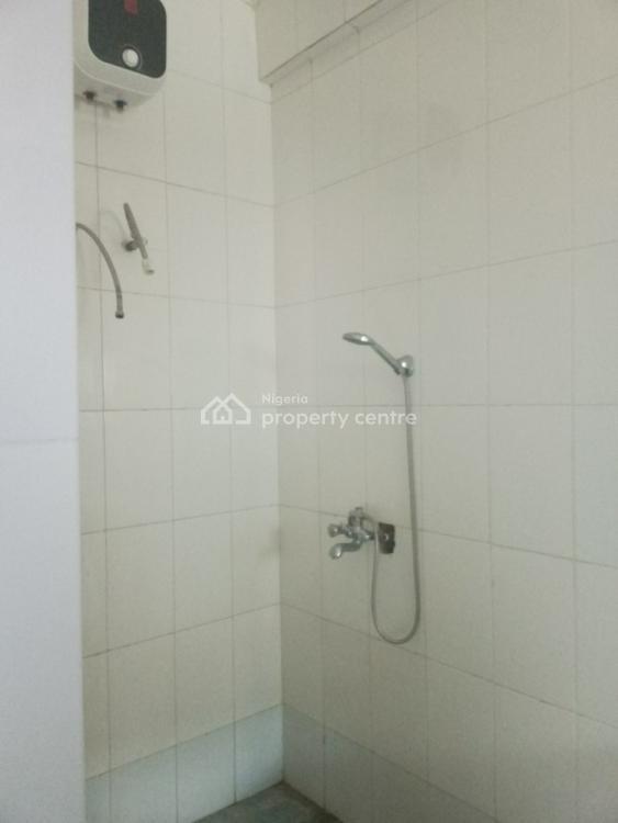 Spacious 3 Bedroom Apartment, Off Herbert Macaulay Way, Yaba, Lagos, Flat for Rent