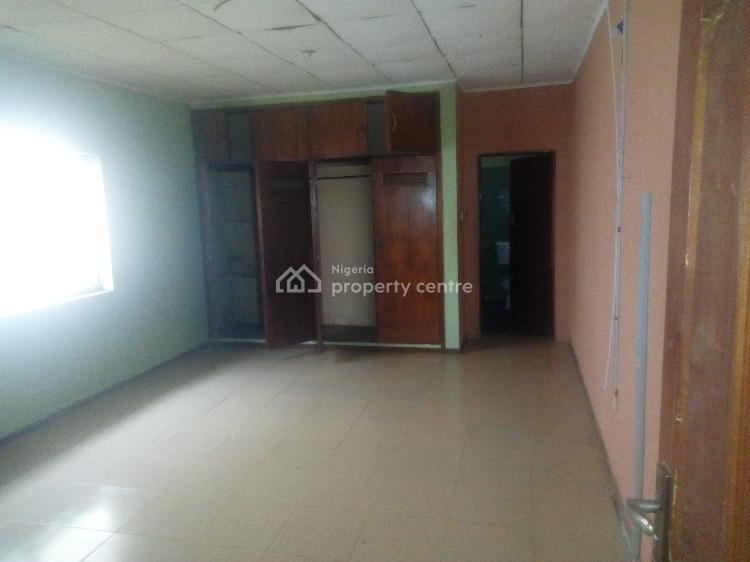 3 Bedrooms Flat, Upstairs, 7th Avenue, Festac, Amuwo Odofin, Lagos, Flat for Rent