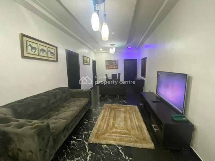 Gorgeous 2 Bedrooms, Fully Furnished and Serviced, Off Admiralty Road, Lekki Phase 1, Lekki, Lagos, Flat Short Let