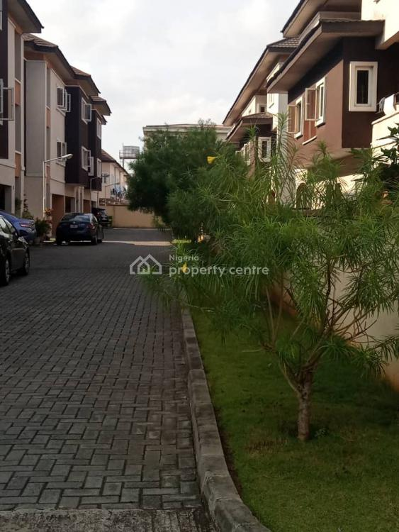 Beautiful 3 Bedroom Townhouse with a Room Bq, Ikate, Lekki, Lagos, Terraced Duplex for Rent