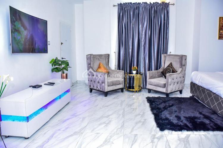 Deluxe Five Bedrooms Duplex. The Party House, Chevron Drive, Lekki Phase 1, Lekki, Lagos, Detached Duplex Short Let