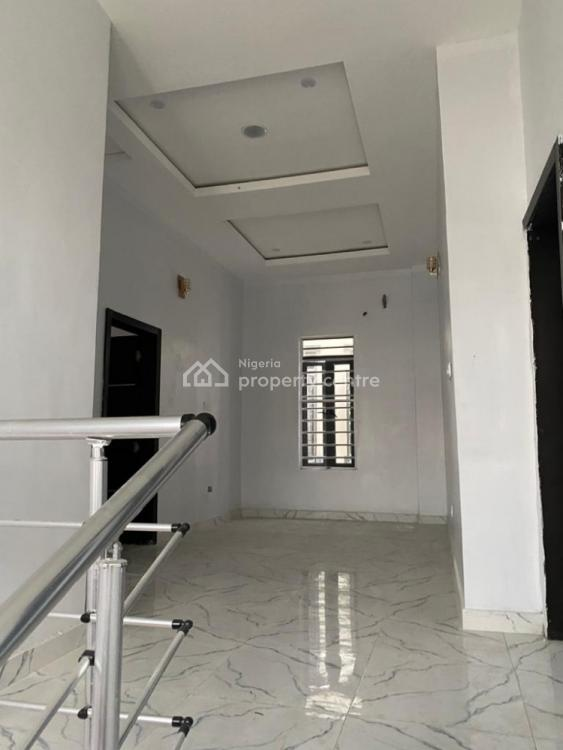 5 Bedroom Fully-detached with a B/q, Oral Estate, Ikota, Lekki, Lagos, Detached Duplex for Sale