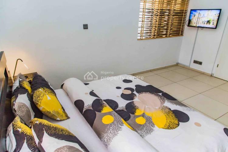 3 Bedrooms, Lekki Phase 1, Lekki, Lagos, Flat Short Let