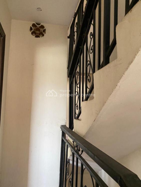 6 Bedrooms Semi Detached Duplex, Gra, Ogudu, Lagos, Semi-detached Duplex for Sale