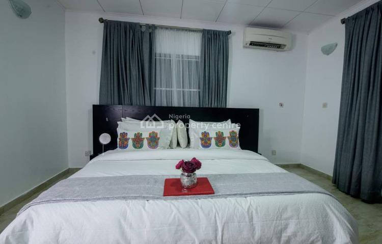 3 Bedrooms Flat with Excellent Facility, Lekki Phase 1, Lekki, Lagos, Flat / Apartment Short Let