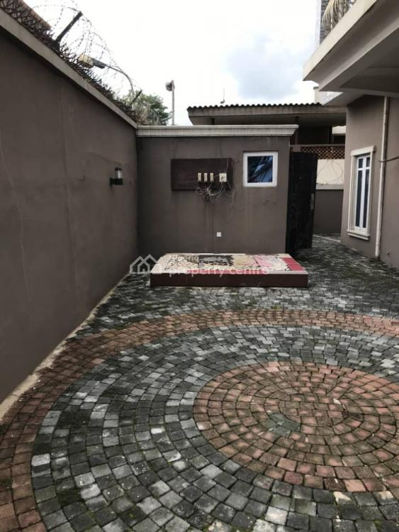 5 Bedroom Fully Detached House + 1 Room Bq, Shangisha,, Gra, Magodo, Lagos, Detached Duplex for Sale