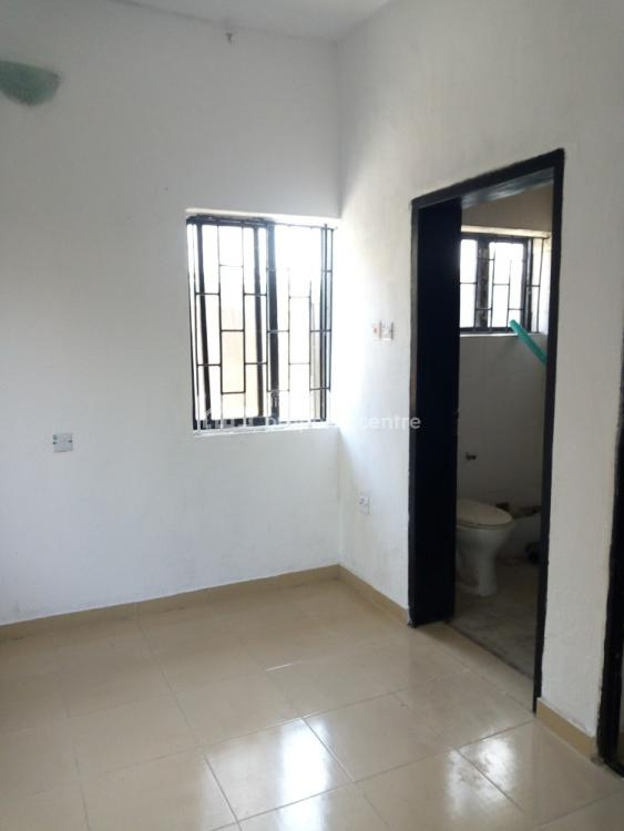 3 Bedroom Flat Available for Young Professionals, Ikoyi, Lagos, Flat for Rent