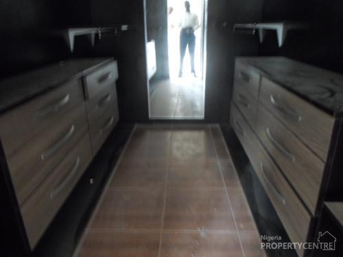 For Sale 3 Bedrooms Terrace Duplexes Ensuite With Inbuilt