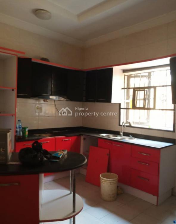 Distress 4 Bedroom Semi Detached Duplex, Chevy View Estate/ Chevron Axis, Lekki, Lagos, Semi-detached Duplex for Sale