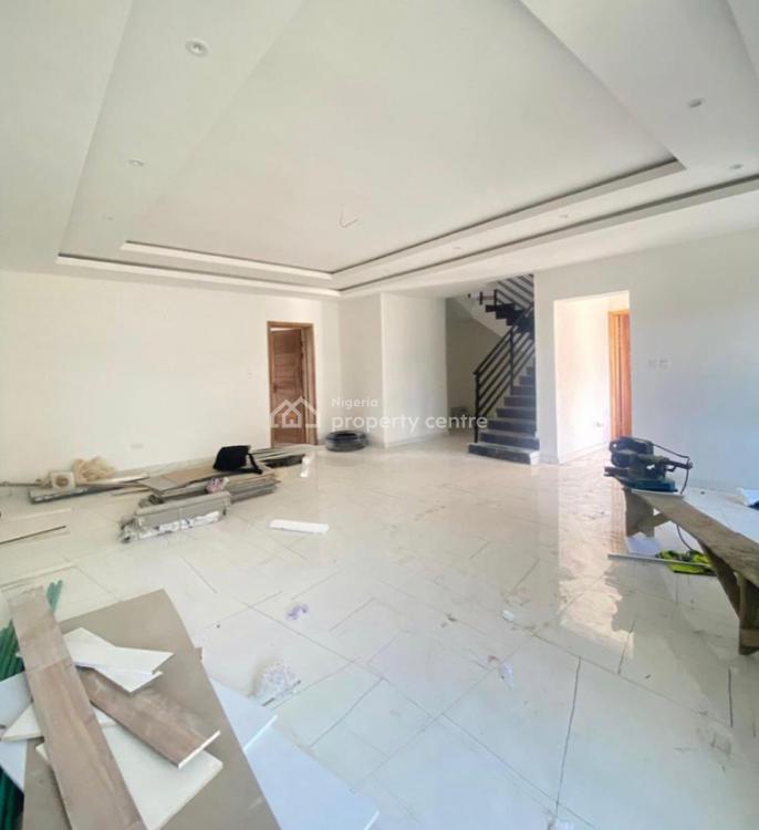 Luxury 4 Bedroom House with a Bq., Ayo Babatunde Cresent Lekki Right., Lekki Phase 1, Lekki, Lagos, Terraced Duplex for Sale