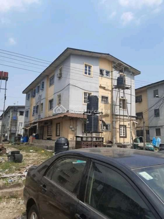 3 Bedrooms Flat, Iponri, Surulere, Lagos, Flat for Sale