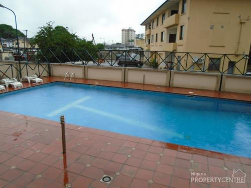Short Let Fully Furnished 3 Bedroom Apartment With