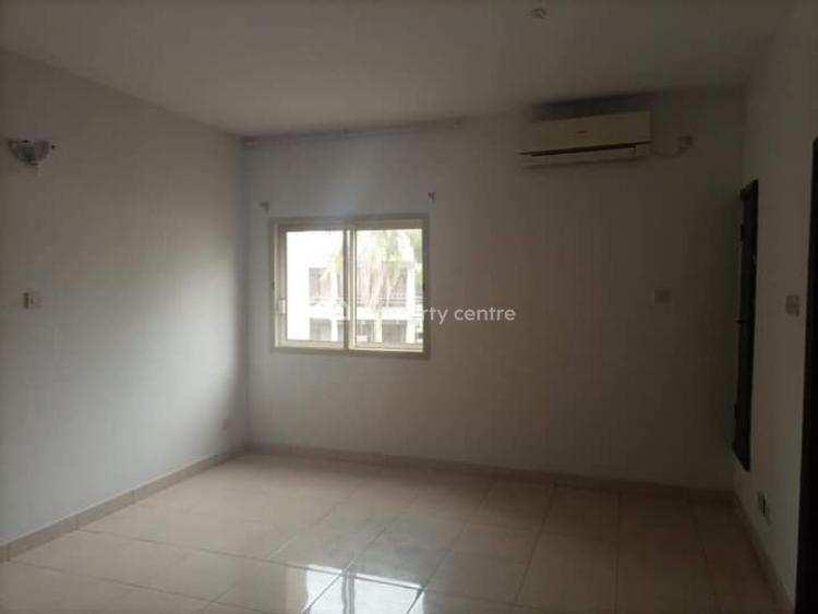 4  Bedroom Apartment with  Maids Room, Old Ikoyi, Ikoyi, Lagos, Flat for Rent