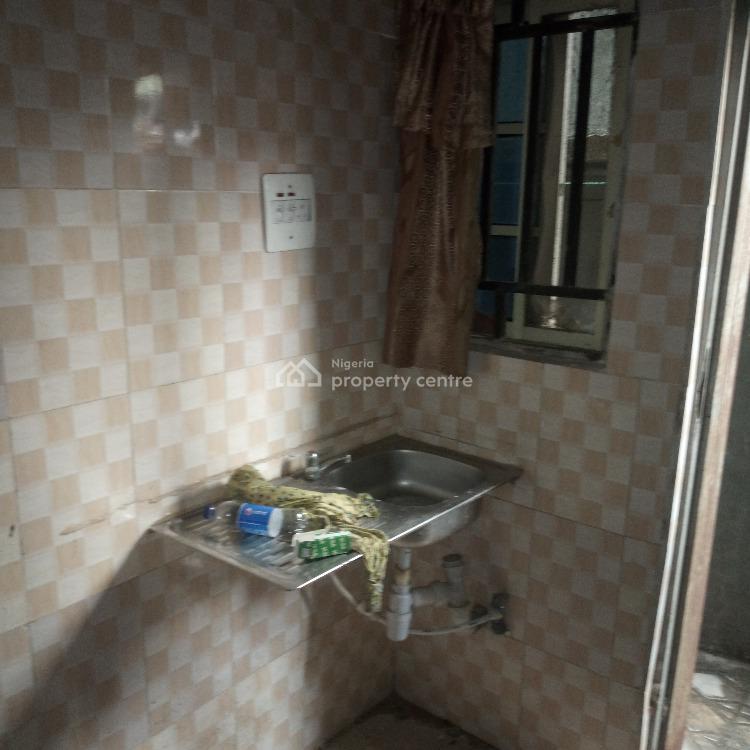 Exedutive and Super 2 Bedroomall Ensuit (upstairs), Off Apapa Road,by Iponri Costain, Iponri, Surulere, Lagos, Flat for Rent
