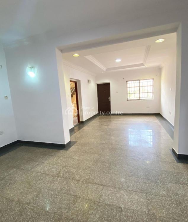 Renovated 3 Bedroom Flat with a Bq, Lekki Phase 1, Lekki, Lagos, Flat for Sale