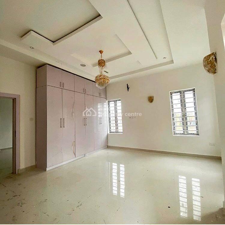 Luxury 4 Bedrooms Terrace, Ikota, Lekki, Lagos, Terraced Duplex for Sale