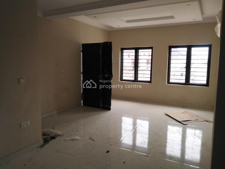 Luxury 2 Bedroom Flat Upstairs, Rhs Petrocam, Lekki Phase 1, Lekki, Lagos, Flat for Rent