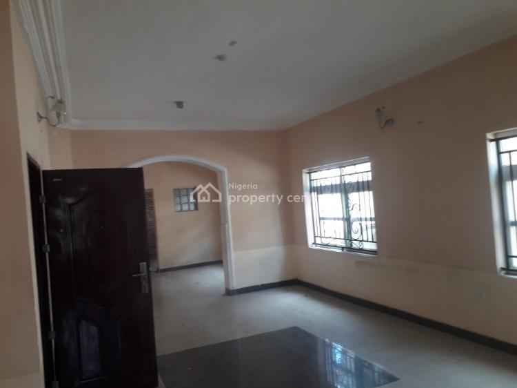 Decent 3 Bedroom Flat with Bq, Off Adebayo Doherty Street, Lekki Phase 1, Lekki, Lagos, Flat for Sale