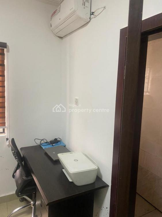 Quiet Office Space  with 24/7 Power Electricity, 30, Unit 3, Ibrahim Odofin Street, Lekki Peninsula, Lekki Phase 2, Lekki, Lagos, Office Space for Rent