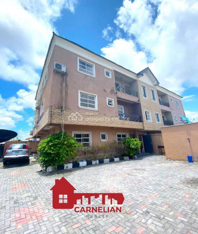 Renovated 3 Bedroom Apartment with Bq, Lekki Phase 1, Lekki, Lagos, Flat for Sale