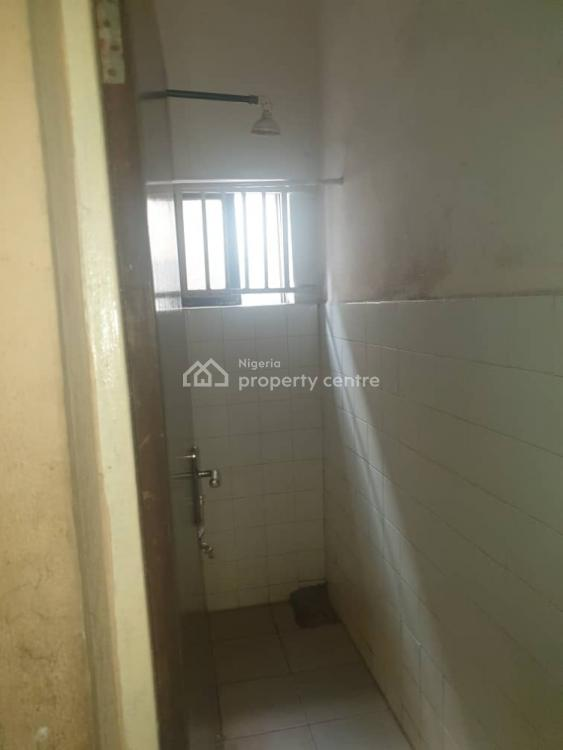 Well Renovated 3 Bedrooms Flat, Odunjo Street, Off Adetola, Aguda, Surulere, Lagos, Flat for Rent
