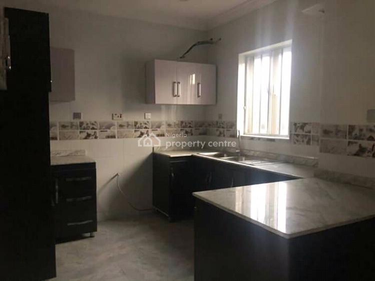 Fantastic 3 Bedrooms Terrace Duplex, Ogunlana, Surulere, Lagos, Terraced Duplex for Sale