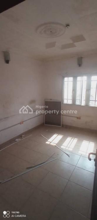 Very Decent 2 Bedrooms Flat, Medina Estate, Gbagada, Lagos, Flat for Rent