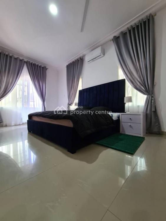 3 Bedroom Flat, Ikota Villa Estate, Lekki Phase 2, Lekki, Lagos, Flat Short Let